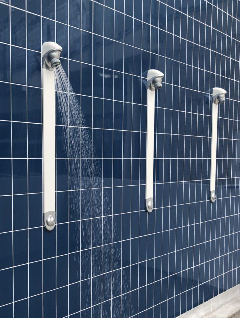 Time flow panel shower